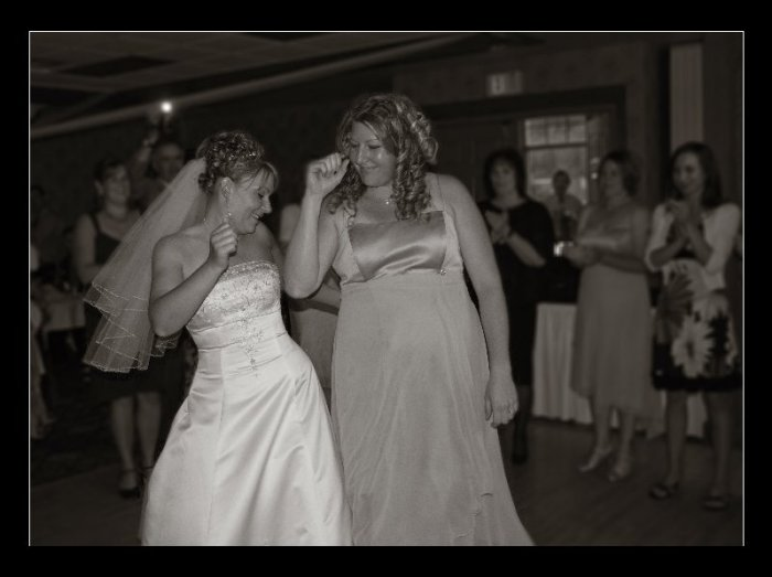 dancing-gals